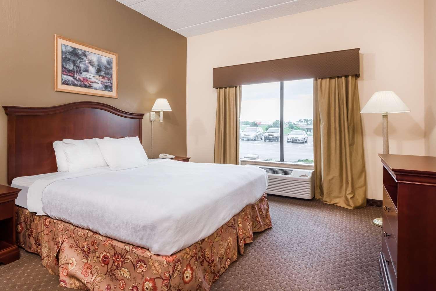 Room - Ramada Inn Harrisburg