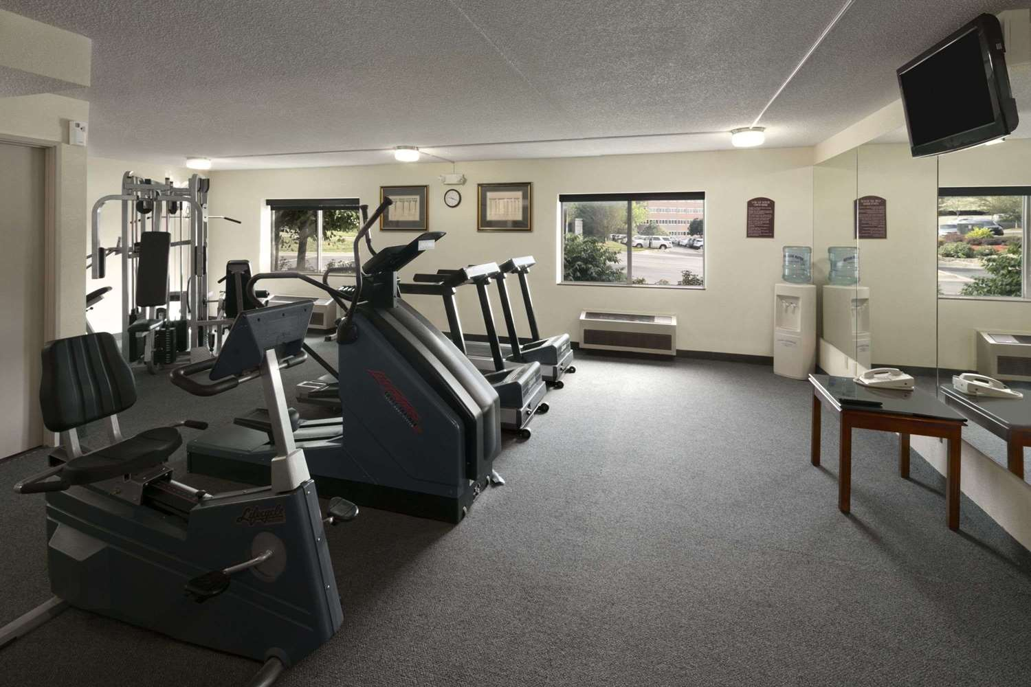 Fitness/ Exercise Room - Days Inn & Suites Northeast Omaha