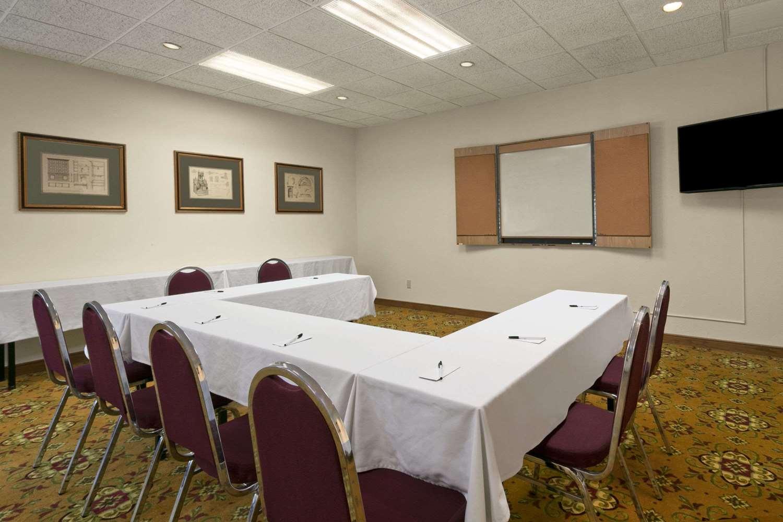 Meeting Facilities - Days Inn & Suites Northeast Omaha