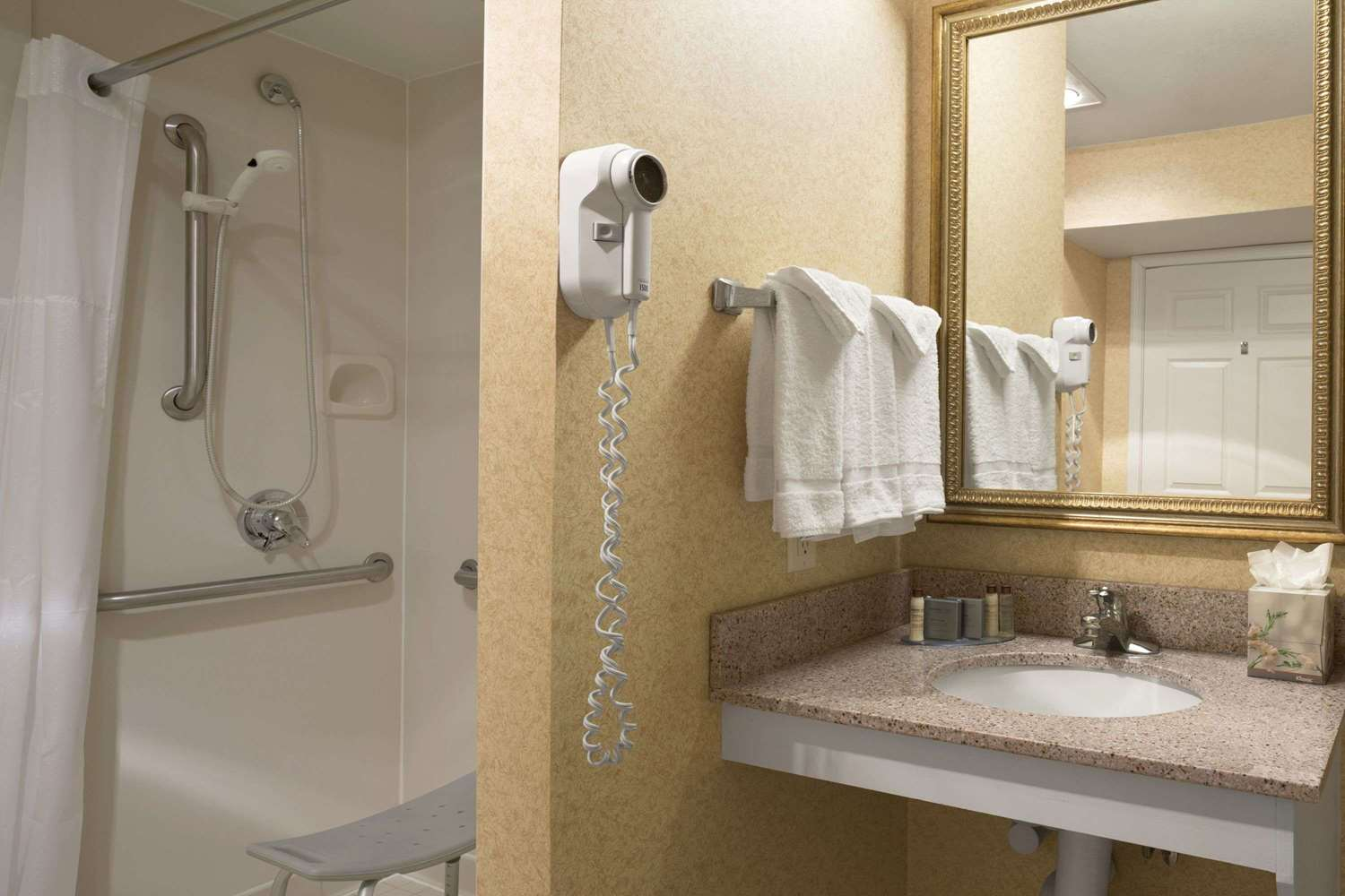 Amenities - Hawthorn Suites by Wyndham Fort Wayne
