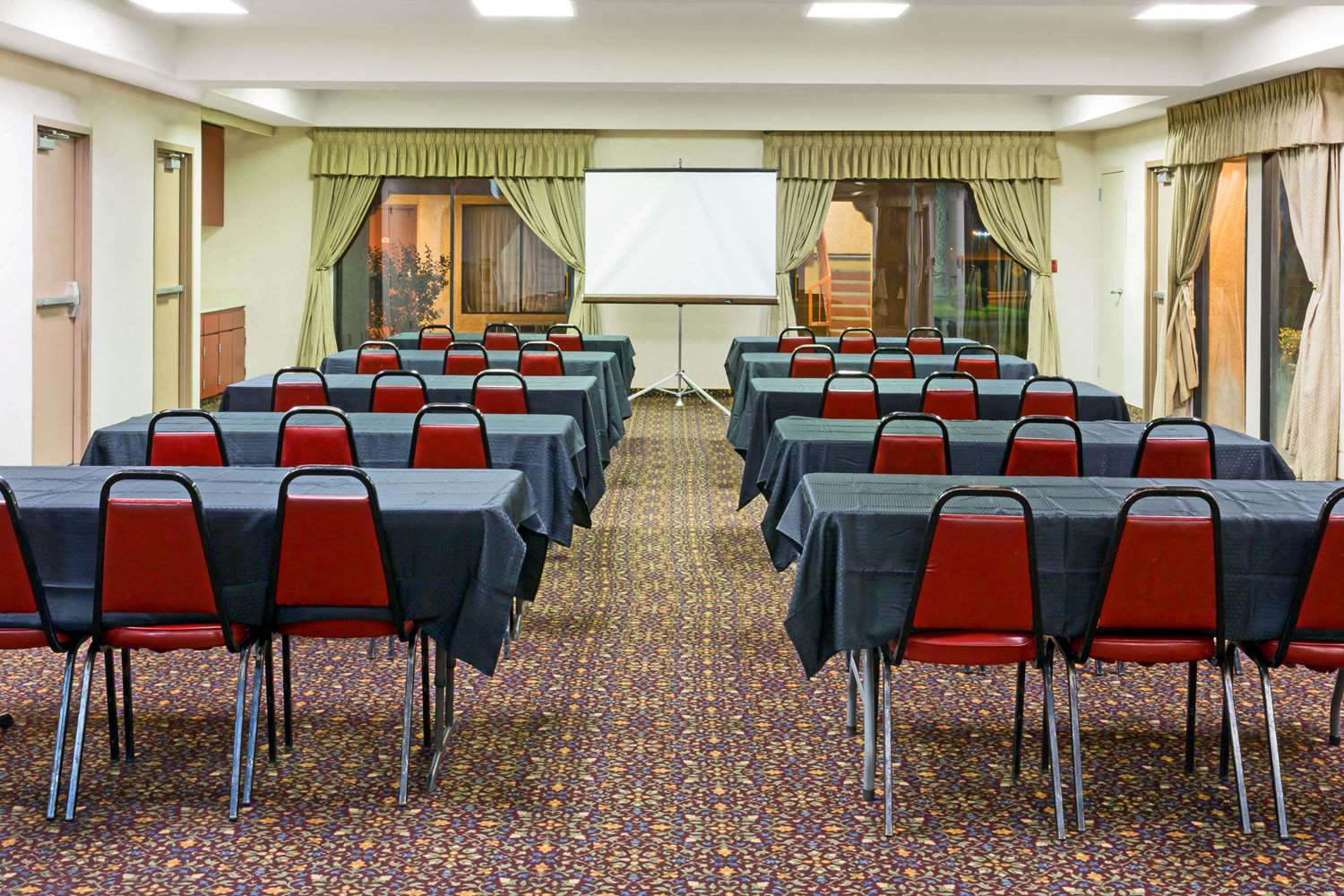 Meeting Facilities - Days Inn Rialto