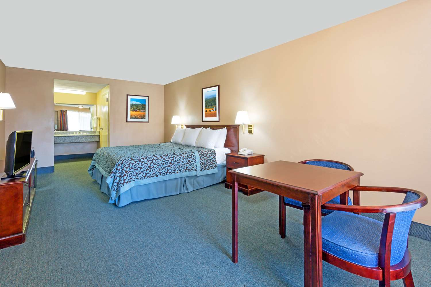 Room - Days Inn Rialto