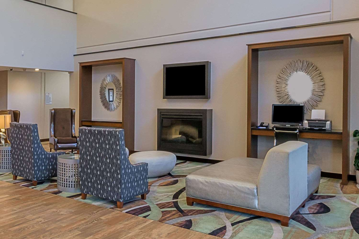 Lobby - Baymont Inn & Suites Bellevue