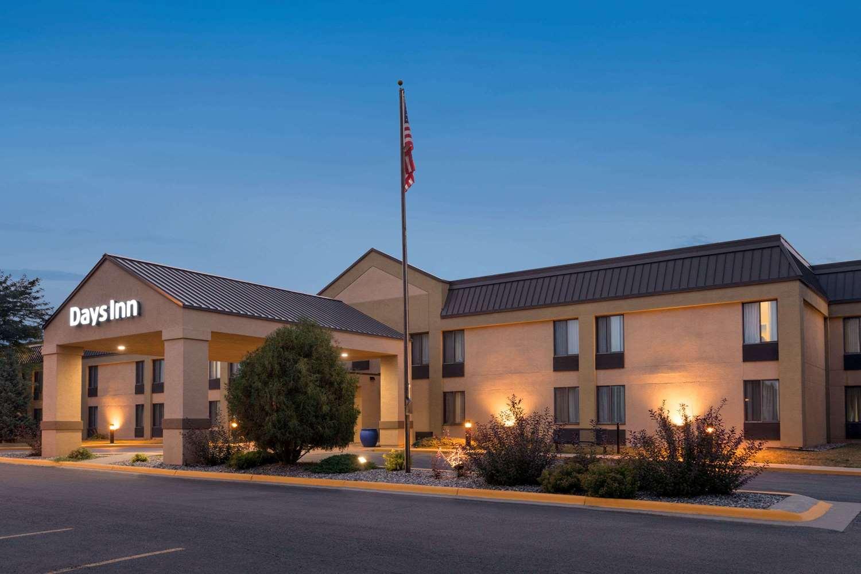 Exterior view - Days Inn Fargo