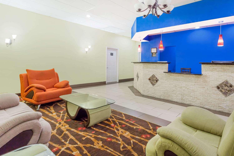 Lobby - Super 8 Hotel Garysburg