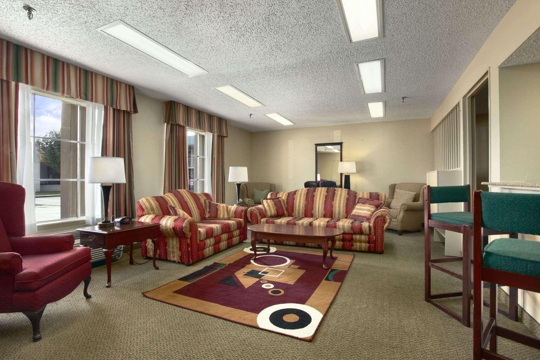 Suite - Super 8 Hotel New Iberia