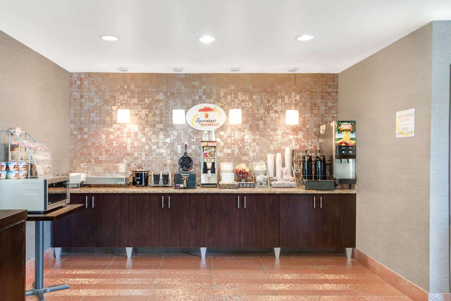 proam - Super 8 Hotel Cotulla