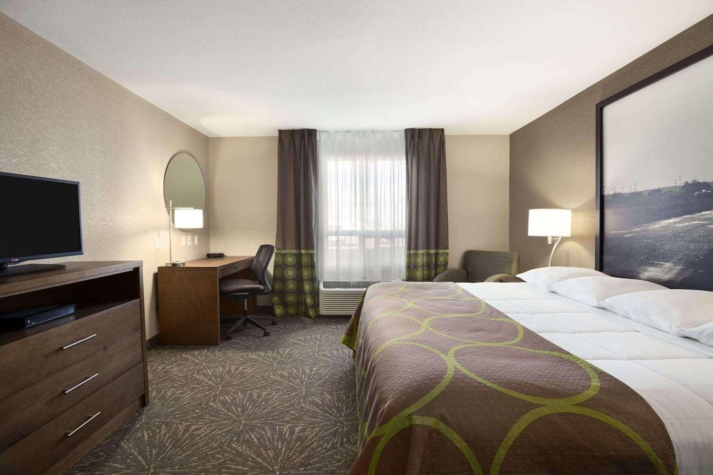 Room - Super 8 Hotel Lloydminster