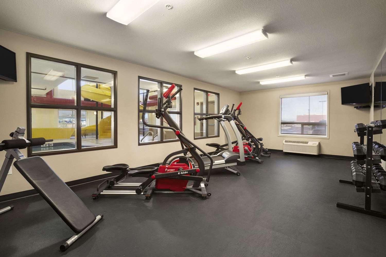 Fitness/ Exercise Room - Super 8 Hotel Lloydminster