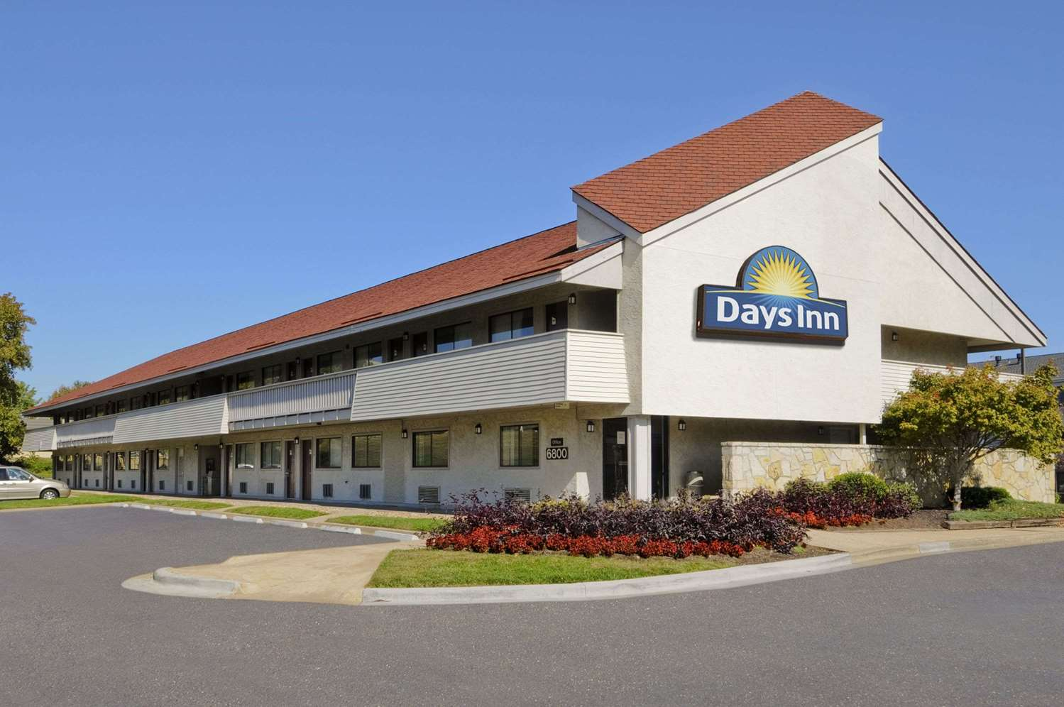 Exterior view - Days Inn Overland Park