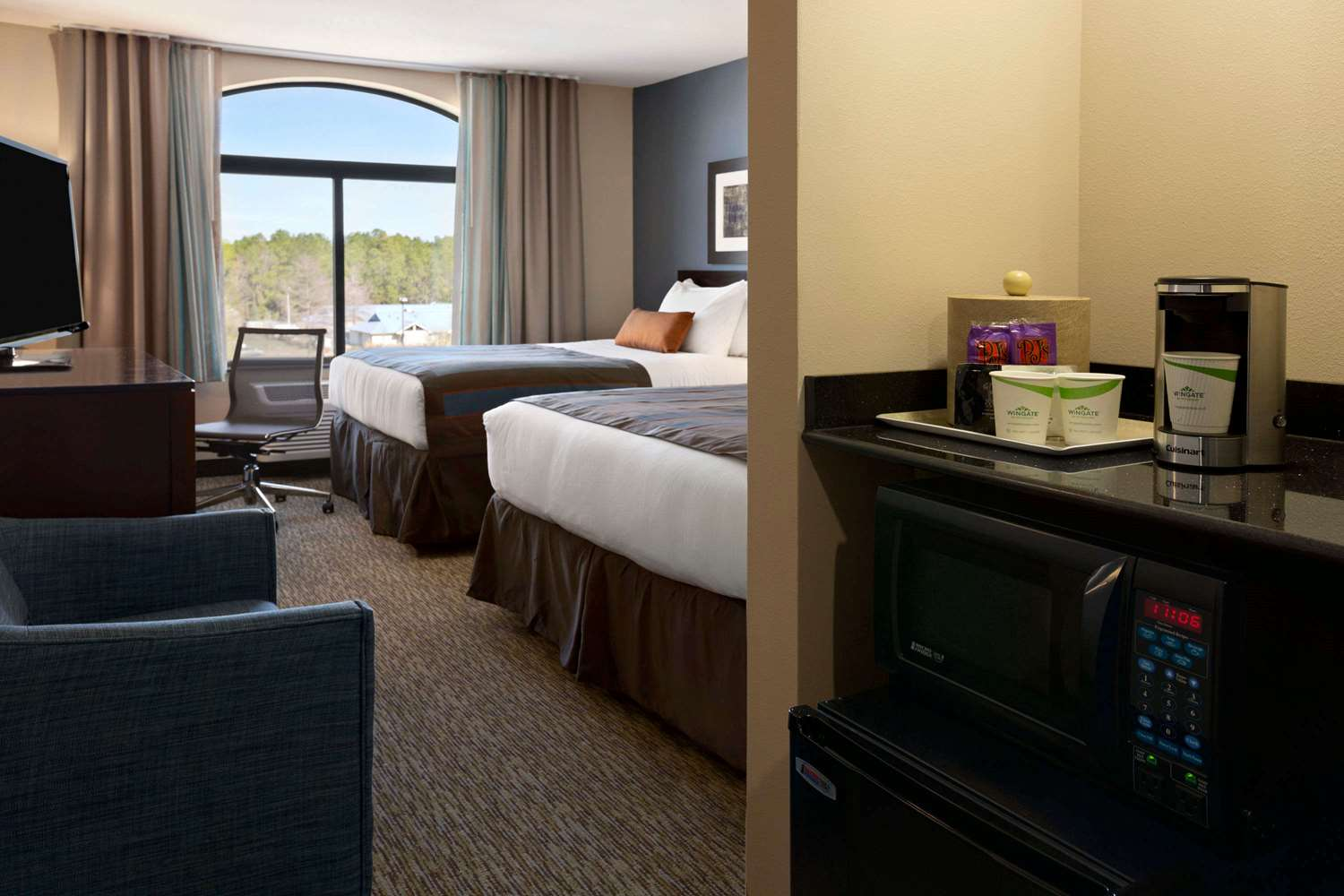 Room - Wingate by Wyndham Hotel East Slidell