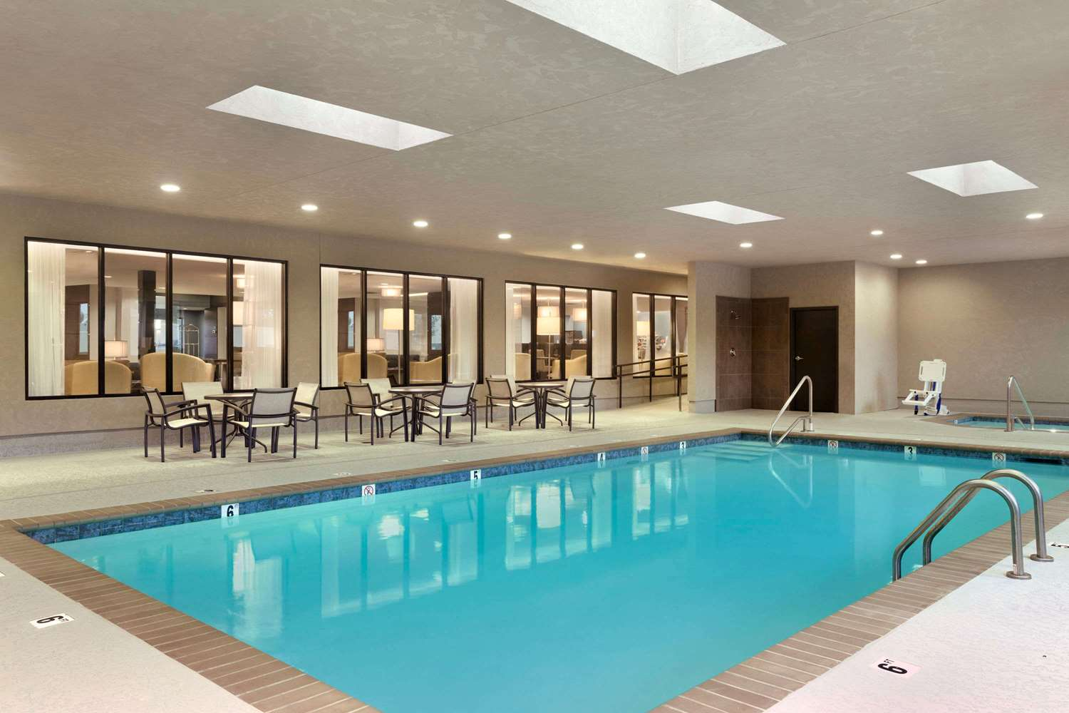 Pool - Wingate by Wyndham Hotel East Slidell