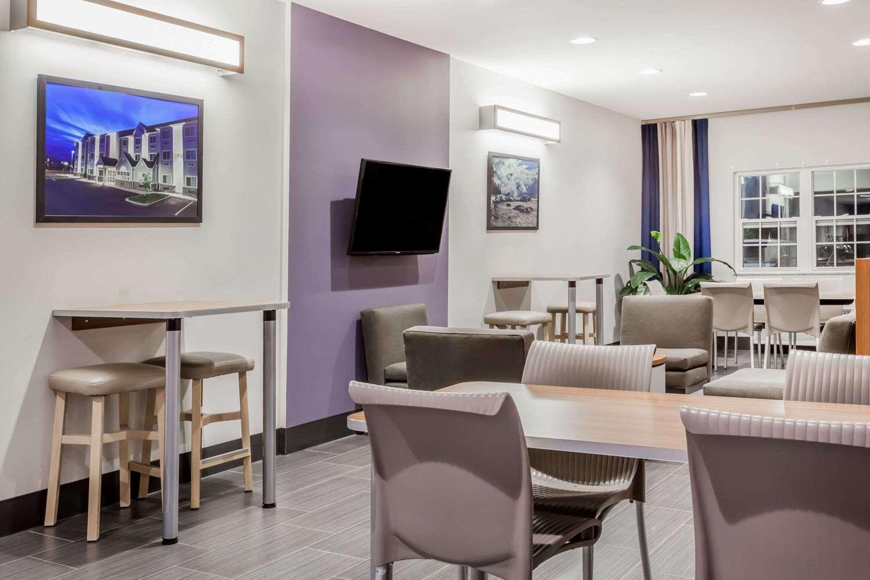 Lobby - Microtel Inn & Suites by Wyndham Sault Ste Marie