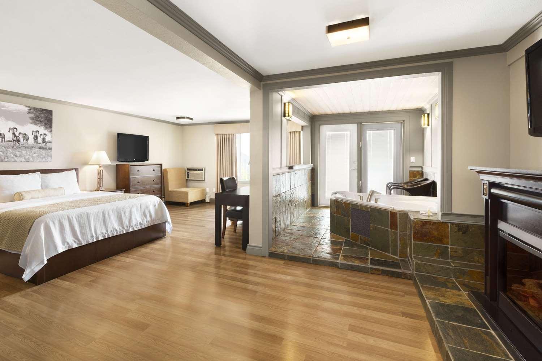 Prestige Hotel Golden Bc