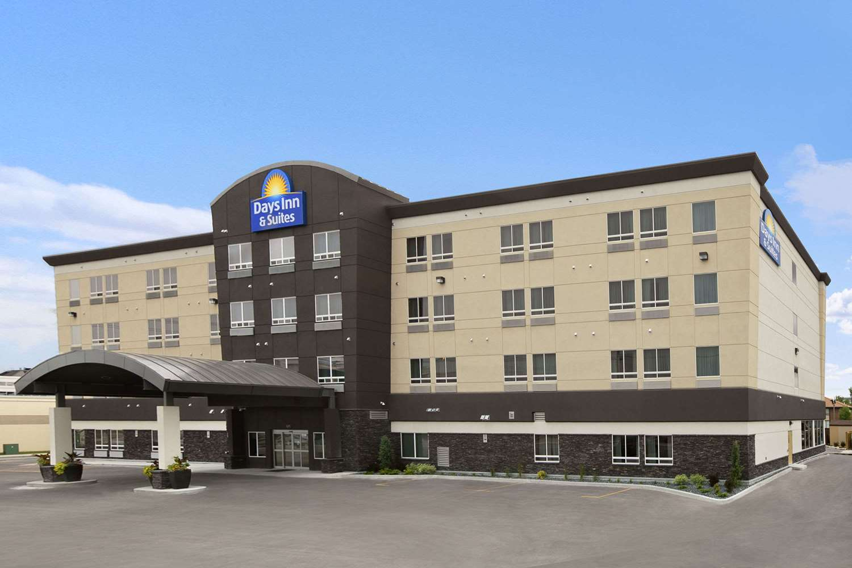 Exterior view - Days Inn & Suites Airport Winnipeg