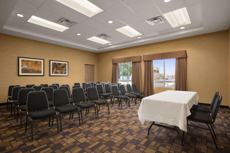 Meeting Facilities - Days Inn & Suites Airport Winnipeg