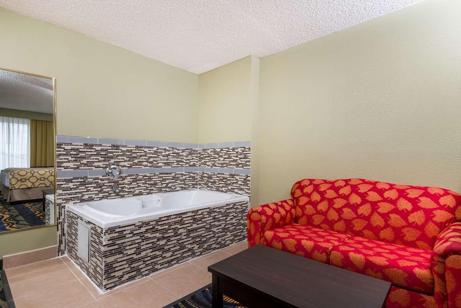 Suite - Baymont Inn & Suites Georgetown