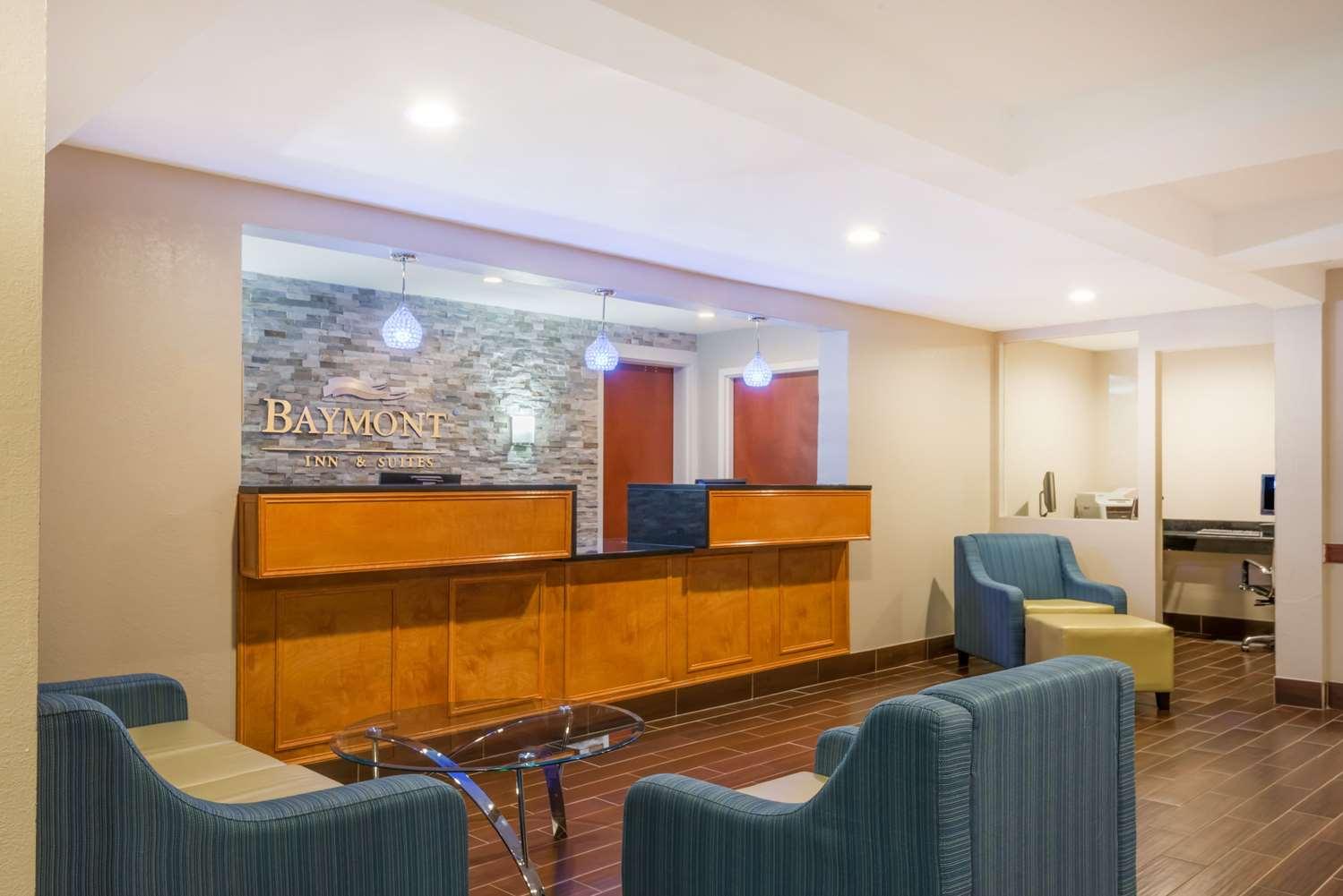 Lobby - Baymont Inn & Suites Georgetown