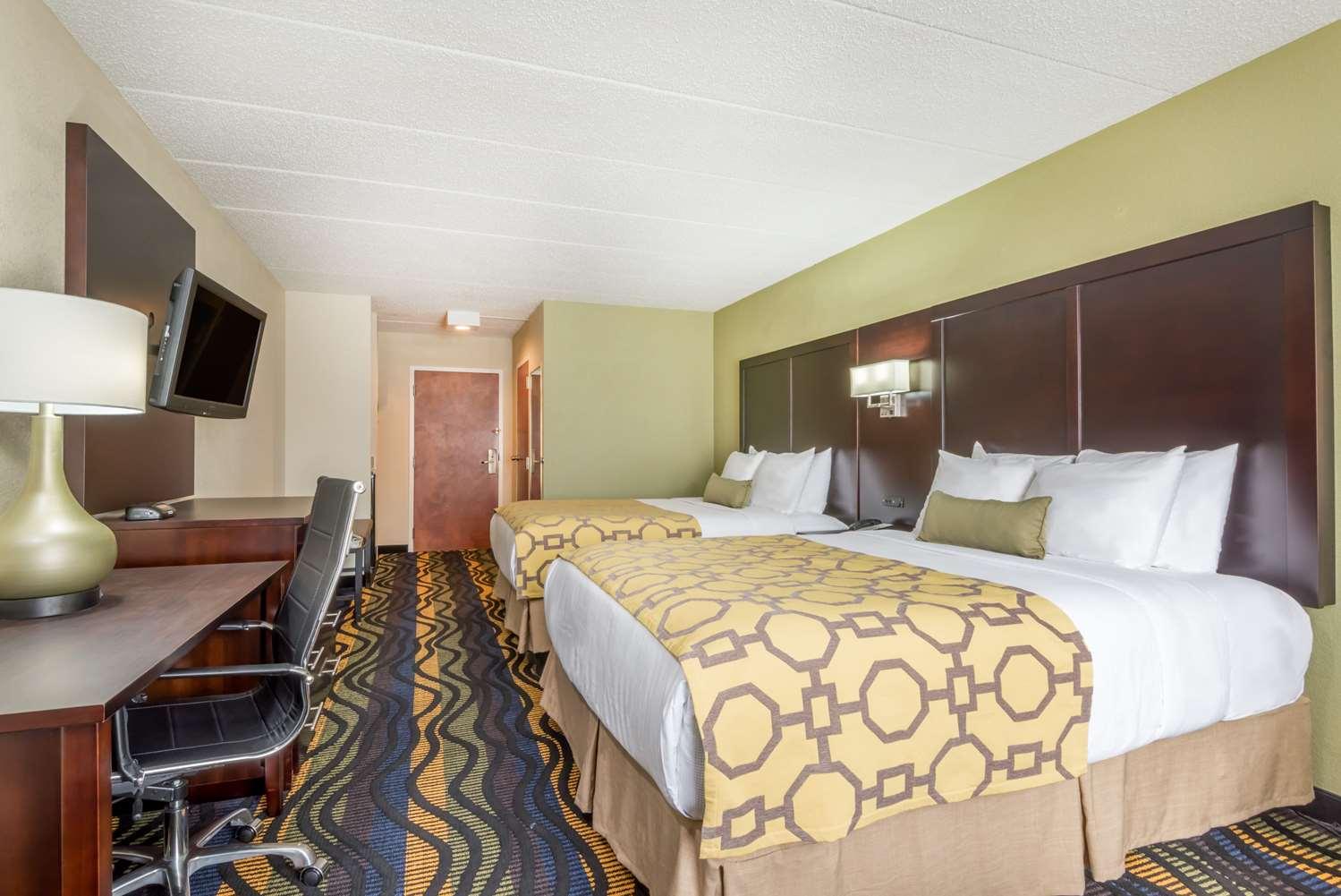 Room - Baymont Inn & Suites Georgetown