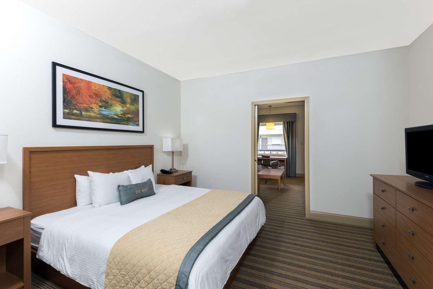 Room - Wyndham Garden Hotel Baton Rouge