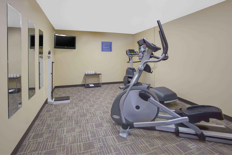 Fitness/ Exercise Room - Days Inn Davenport