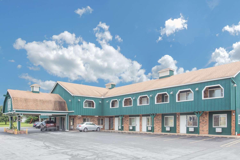 Exterior view - Days Inn Davenport