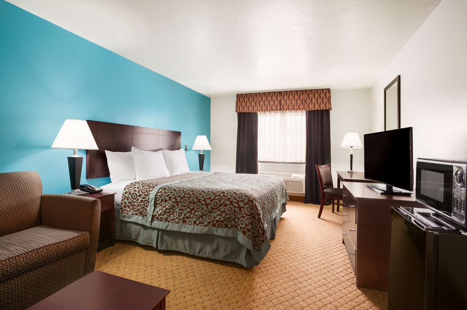 Room - Days Inn North Conroe