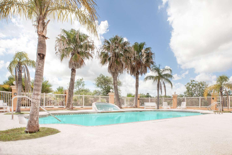 Pool - Super 8 Hotel Corpus Christi