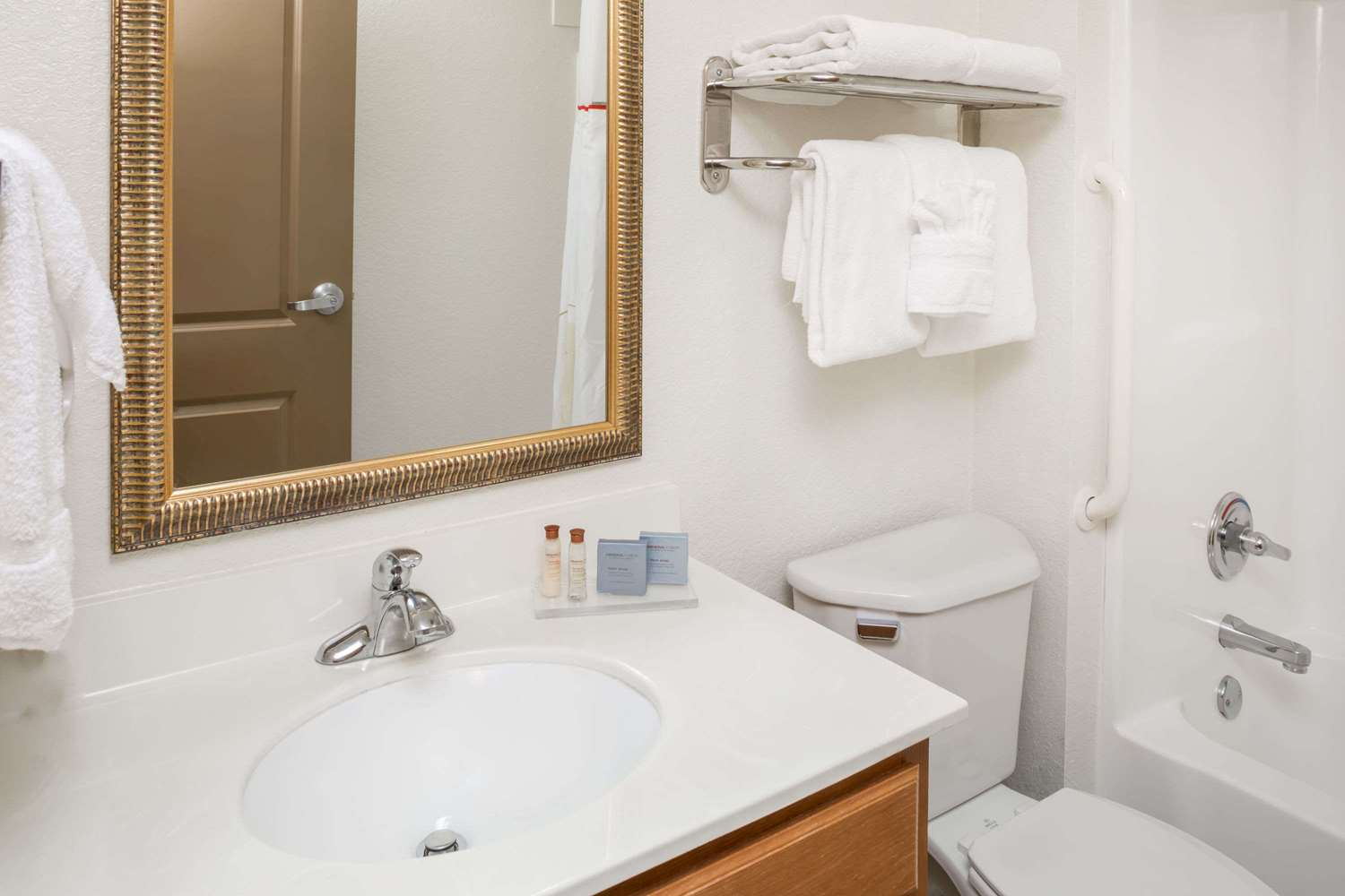Room - Hawthorn Suites by Wyndham Panama City Beach