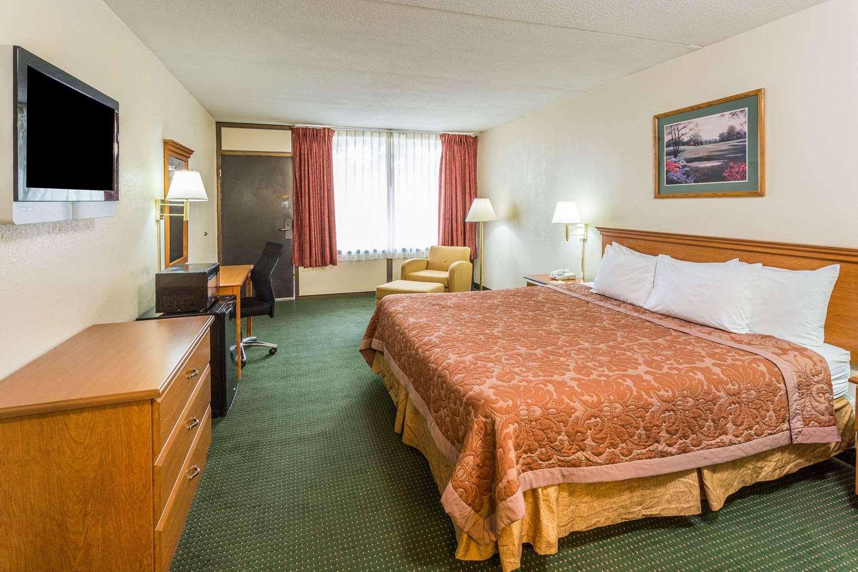 Room - Days Inn St Augustine Road Valdosta