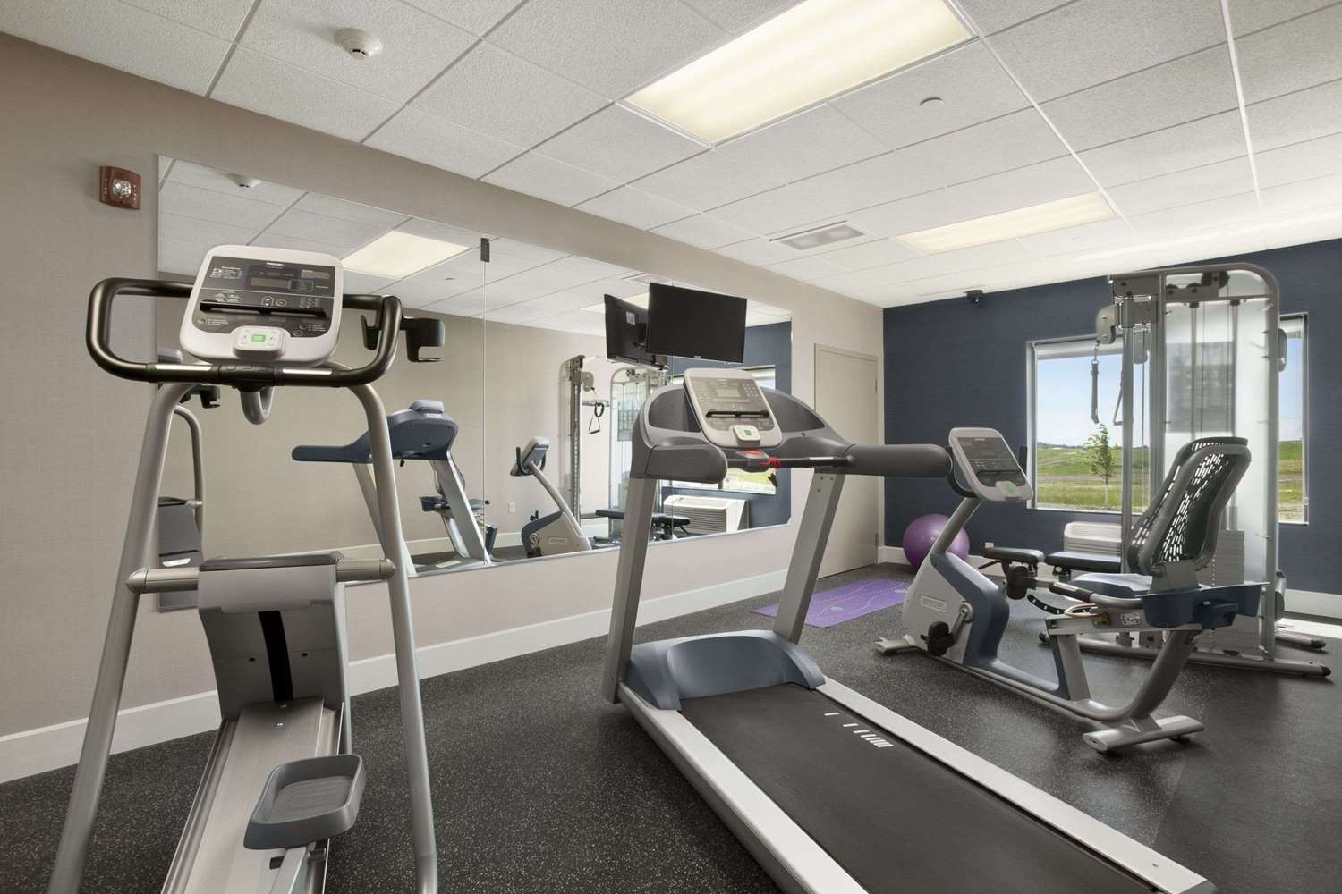Fitness/ Exercise Room - Wingate by Wyndham Hotel Bismarck