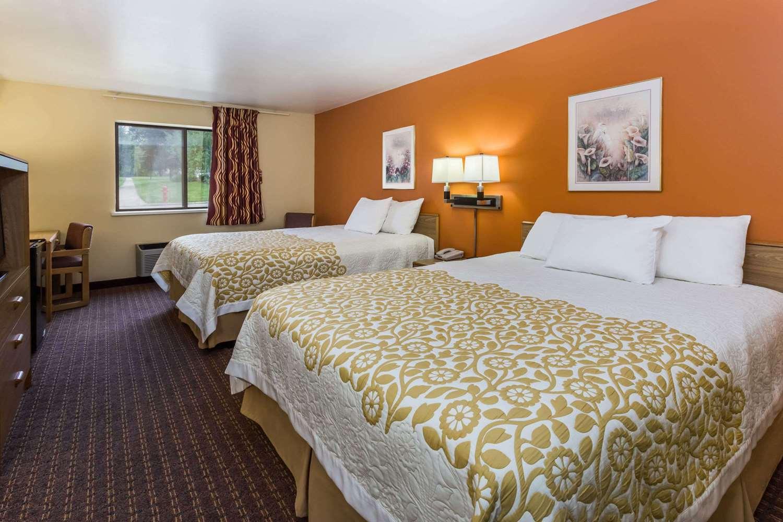 Room - Days Inn Stoughton