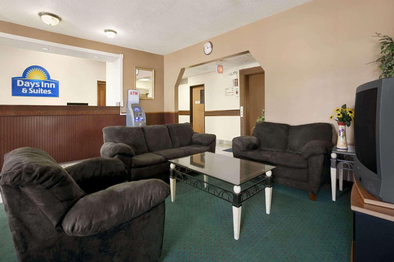 Lobby - Days Inn & Suites Romeoville