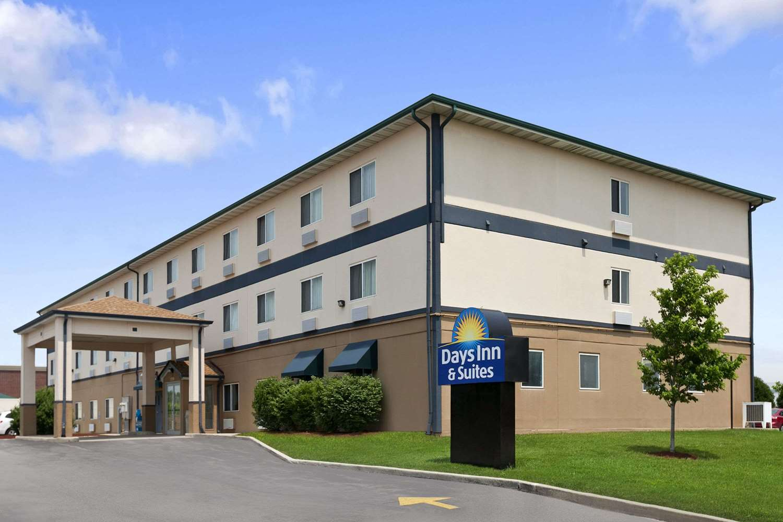 Exterior view - Days Inn & Suites Romeoville