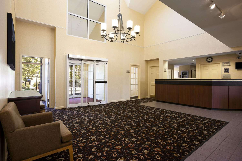 Lobby - Hawthorn Suites by Wyndham Philadelphia