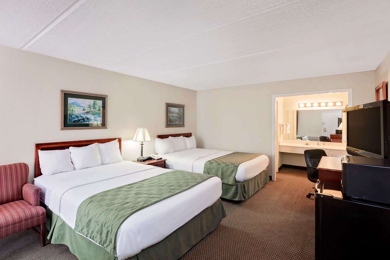 Room - Days Inn Bay City