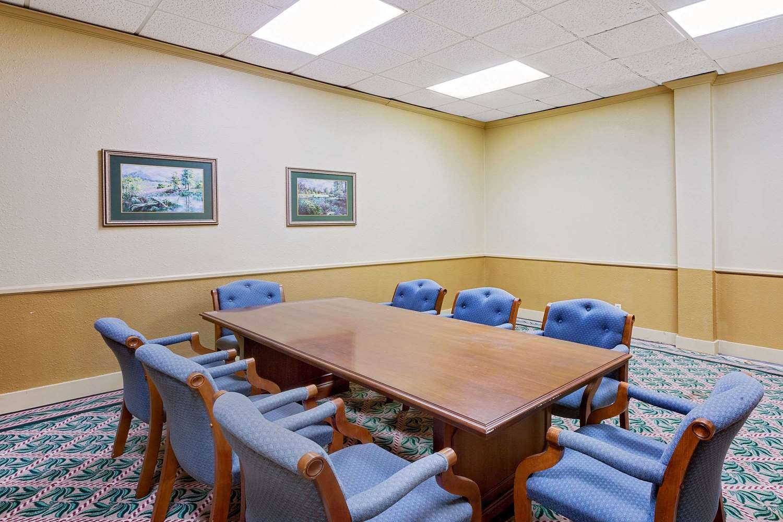 Meeting Facilities - Days Inn Bay City