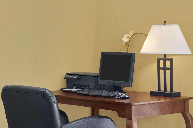 Conference Area - Baymont Inn & Suites Marrero
