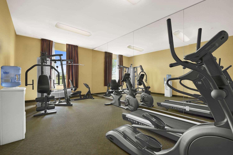 Fitness/ Exercise Room - Baymont Inn & Suites Marrero