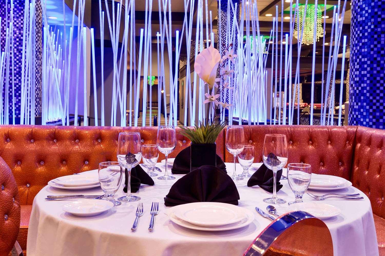 Restaurant - Wyndham Garden Hotel North Farmers Branch