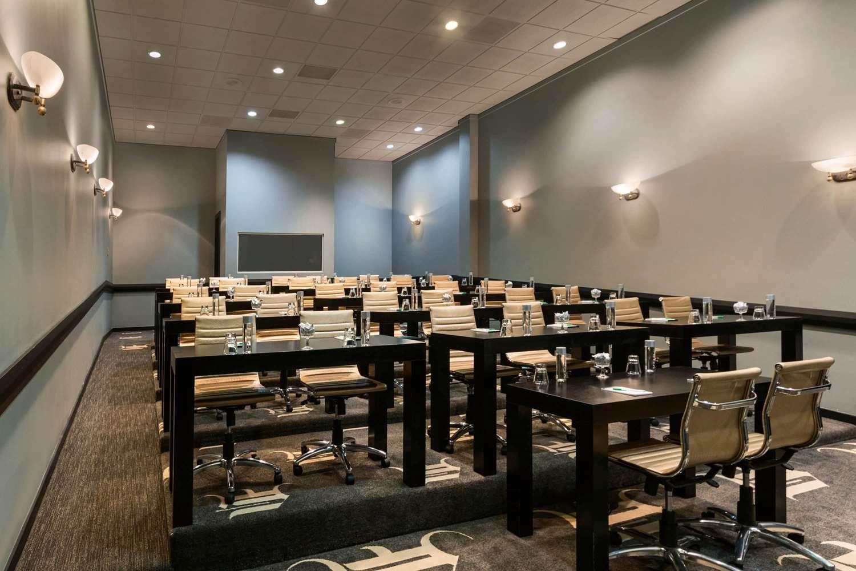 Meeting Facilities - Wyndham Garden Hotel North Farmers Branch