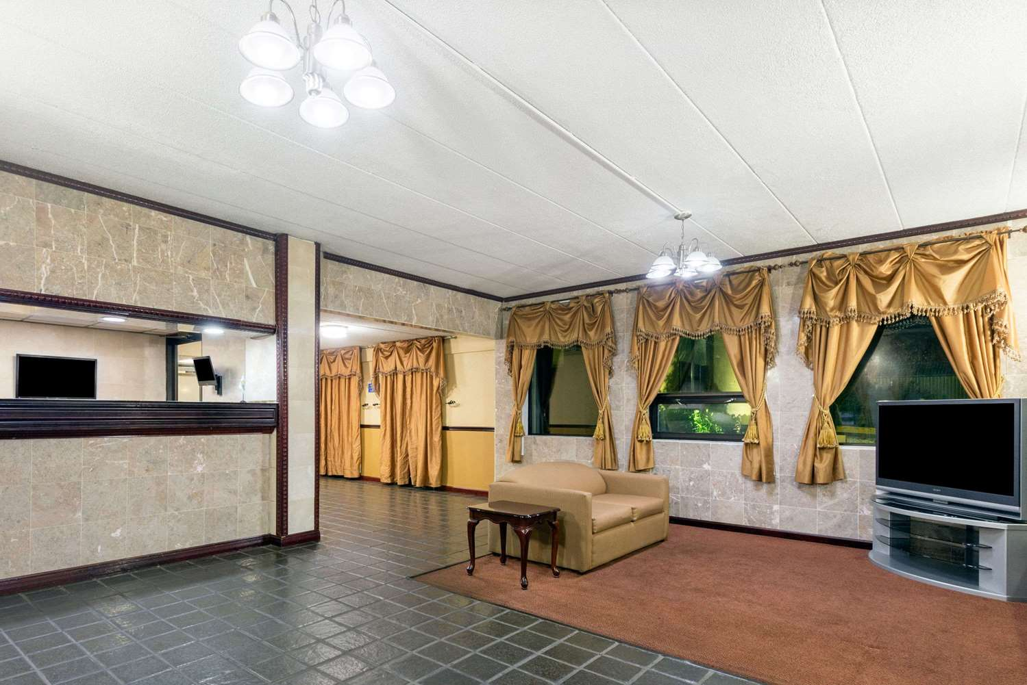 Lobby - Days Inn Hagerstown