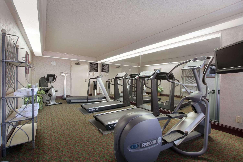 Fitness/ Exercise Room - Days Inn South Longview