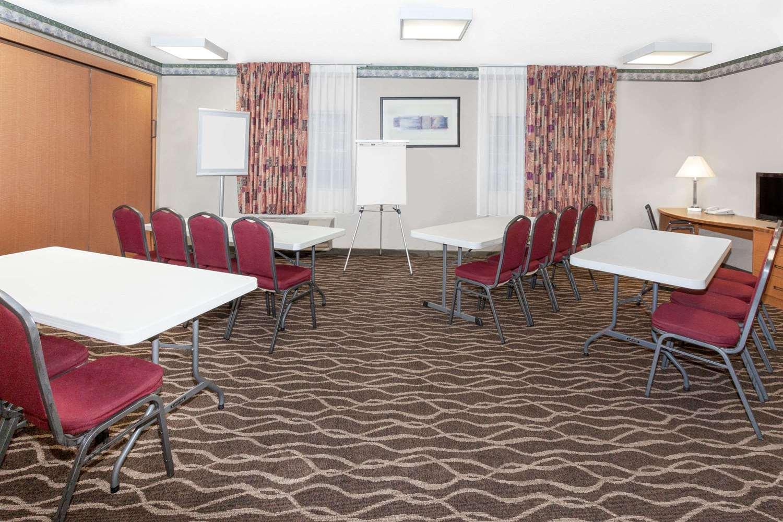 Meeting Facilities - Baymont Inn & Suites Fort Wayne