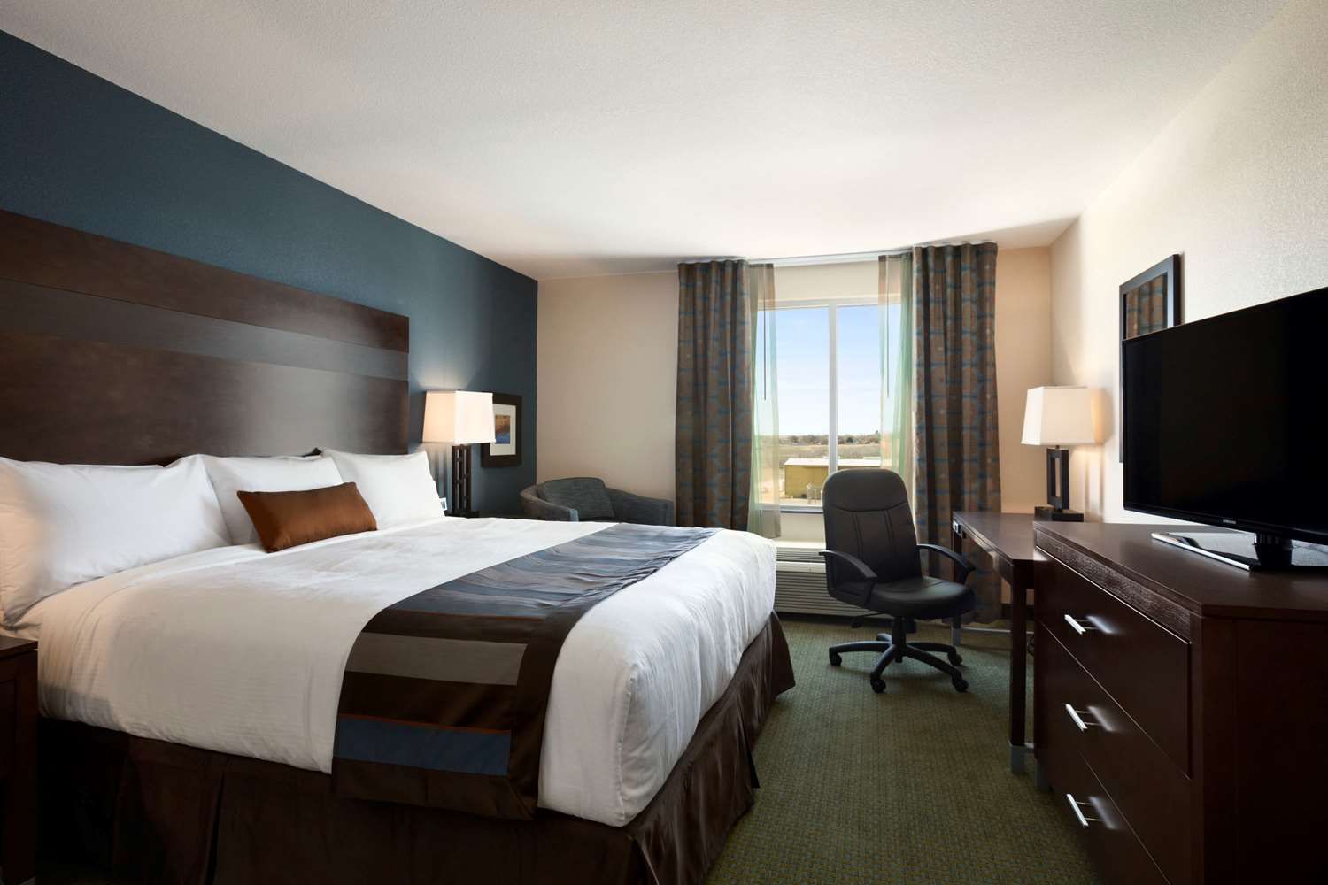 Room - Wingate by Wyndham Hotel Seminole
