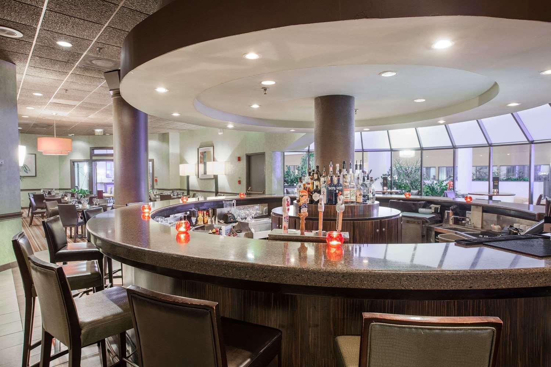 Bar - Wyndham Hotel West Energy Corridor Houston