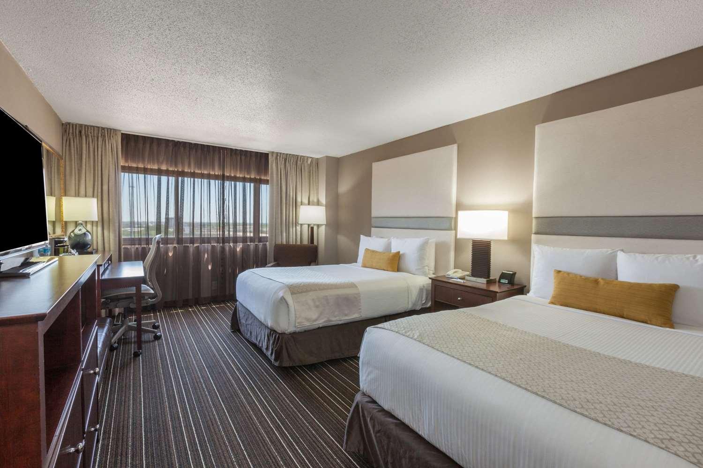 Room - Wyndham Hotel West Energy Corridor Houston