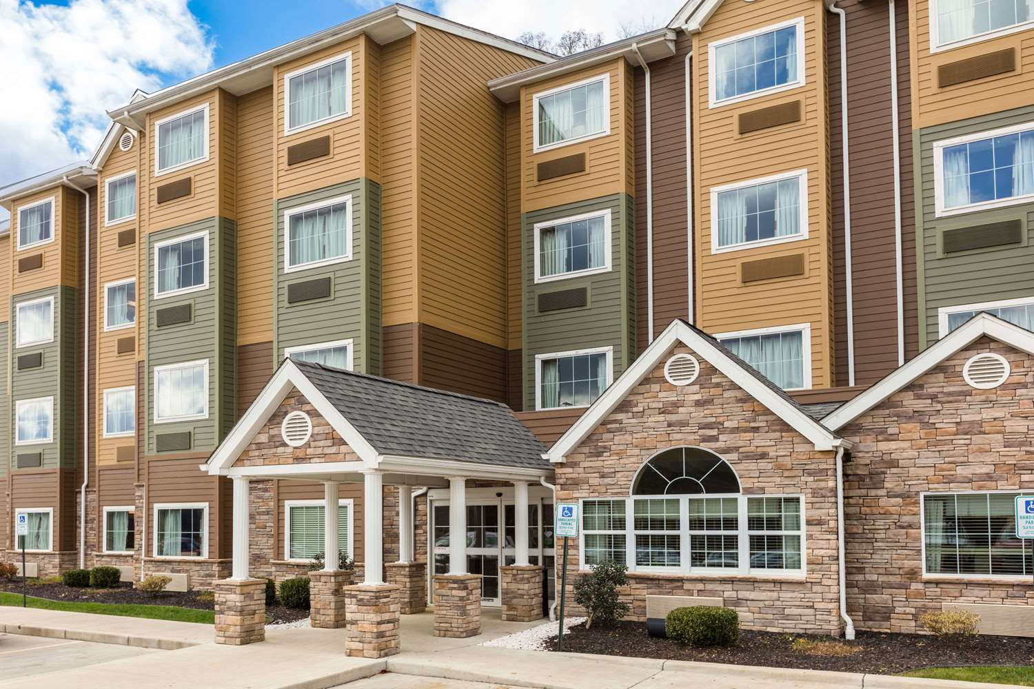Exterior view - Microtel Inn & Suites by Wyndham Steubenville
