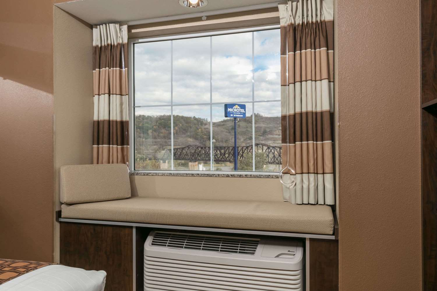 Amenities - Microtel Inn & Suites by Wyndham Steubenville