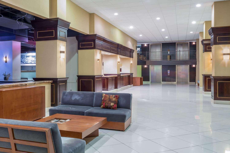 Lobby - Wyndham Garden Phoenix Midtown Hotel